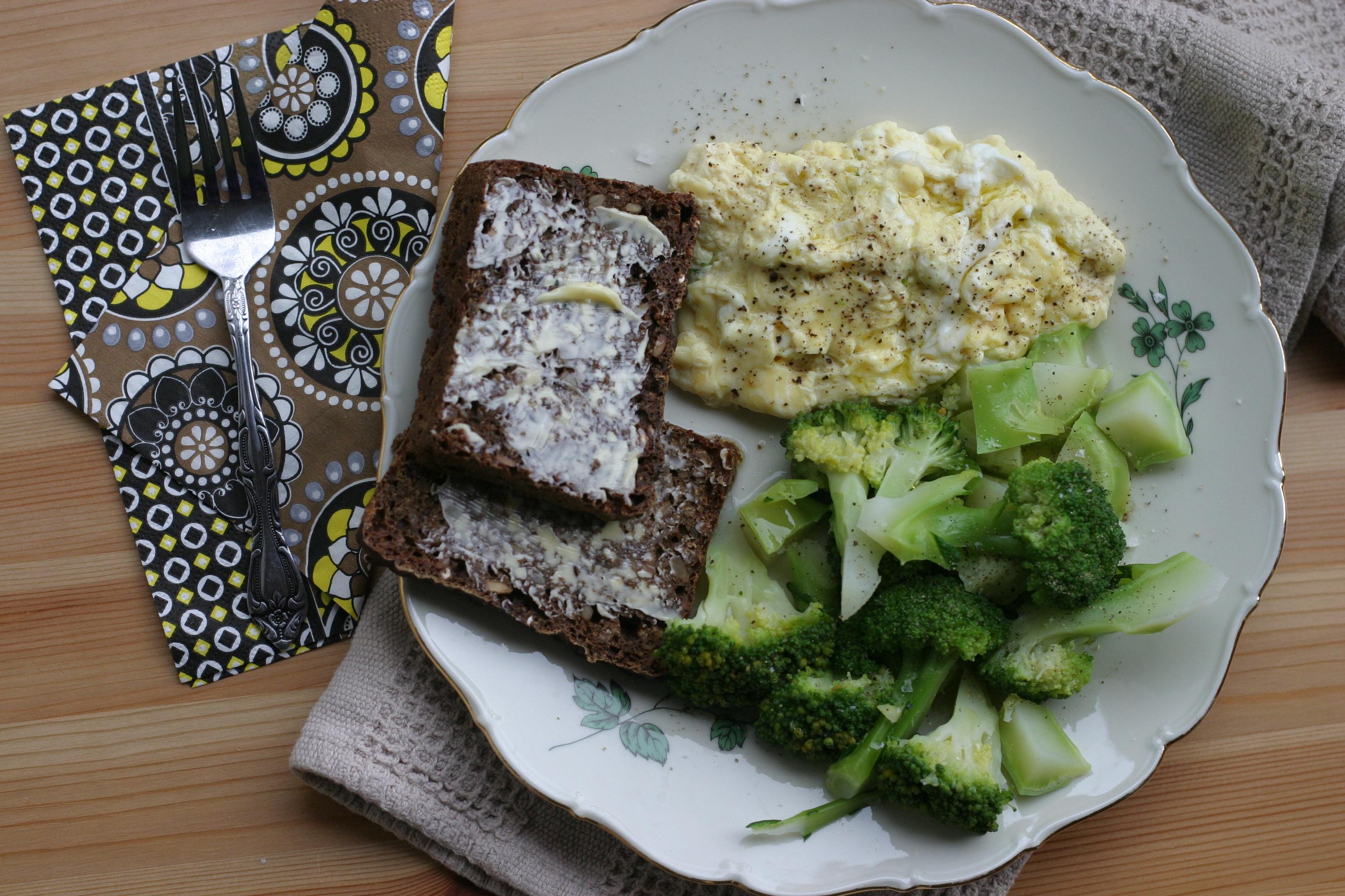 Daniel Patterson's Poached Scrambled Eggs Recipe — Dishmaps