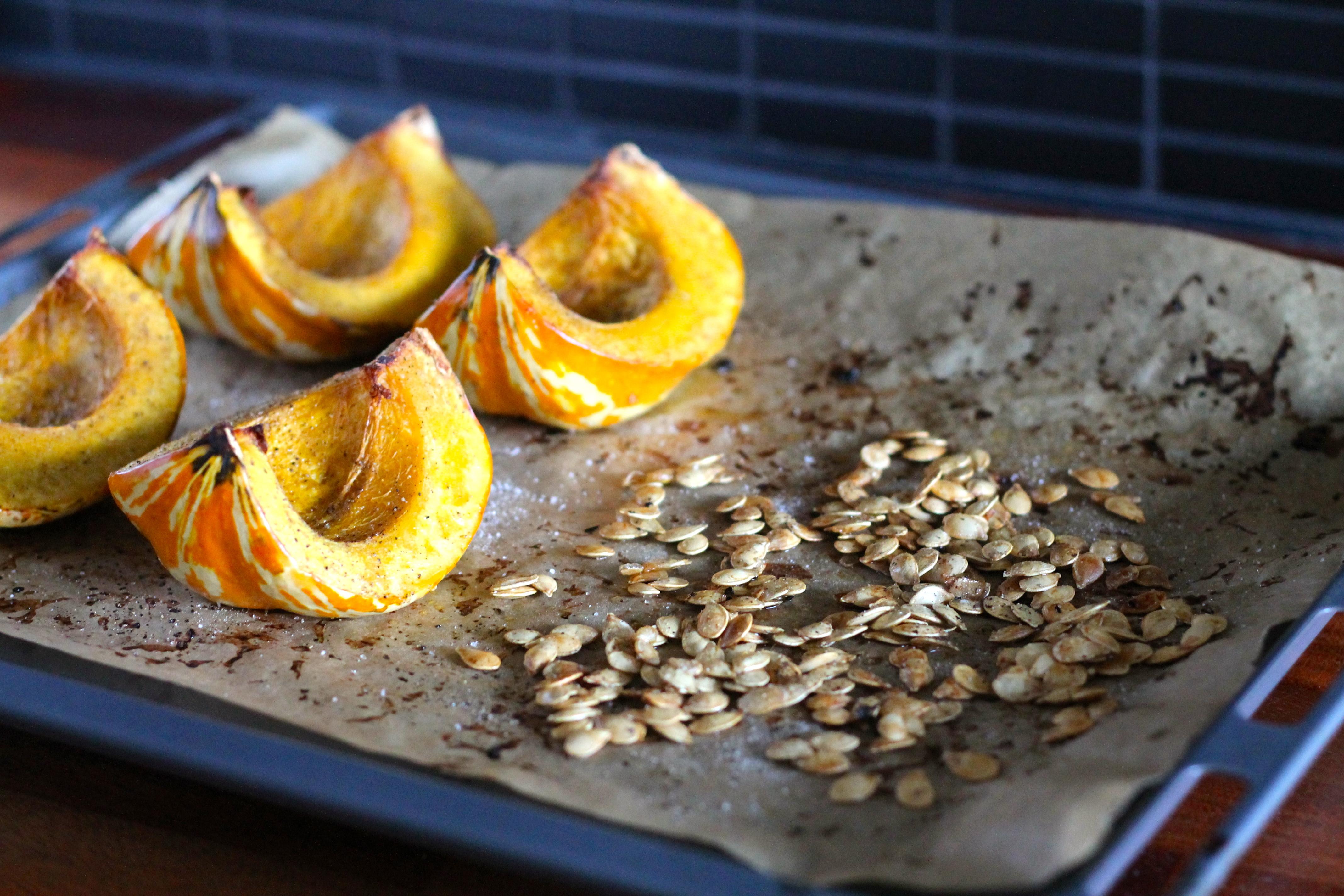 roasted acorn squash salad // www.heynutritionlady.com