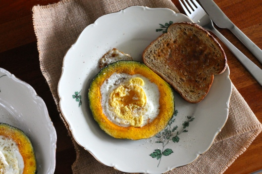 egg in a squash hole // the muffin myth
