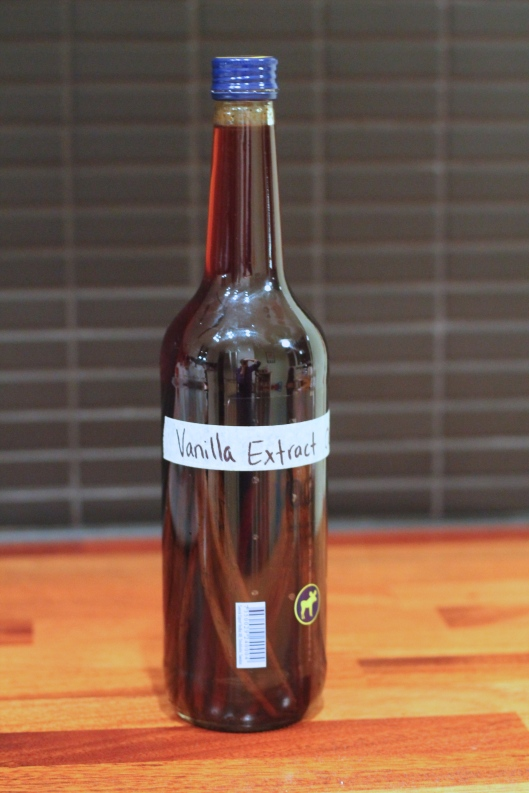 homemade vanilla extract // the muffin myth