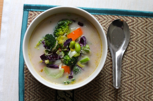 five minute feel better coconut curry soup // the muffin myth