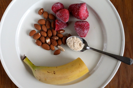 strawberry maca milkshake // the muffin myth