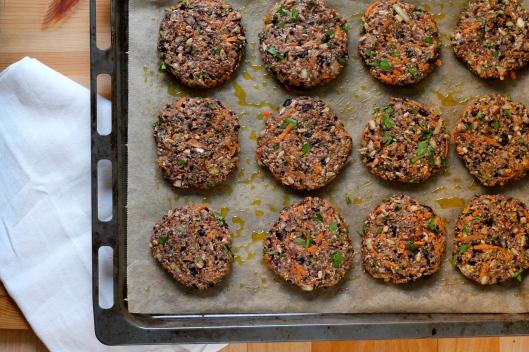 chipotle black bean burgers // the muffin myth
