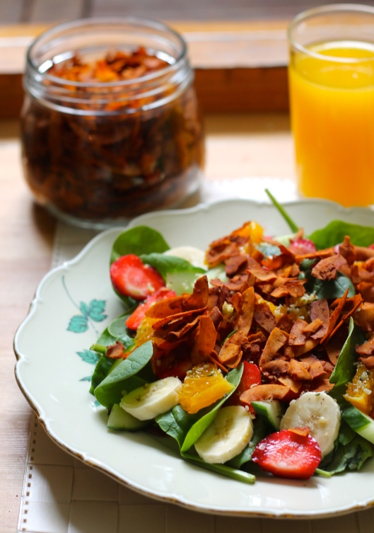 breakfast salad with maple coconut bacon // the muffin myth