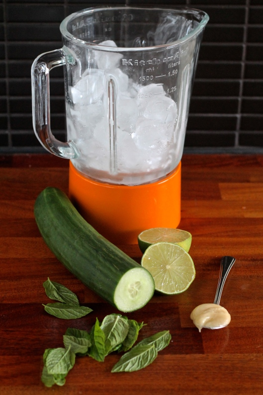 cucumber mint summer slushie // the muffin myth