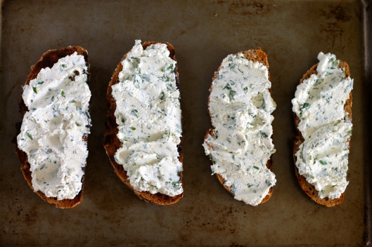 toast for dinner - herbed ricotta 4 ways // the muffin myth