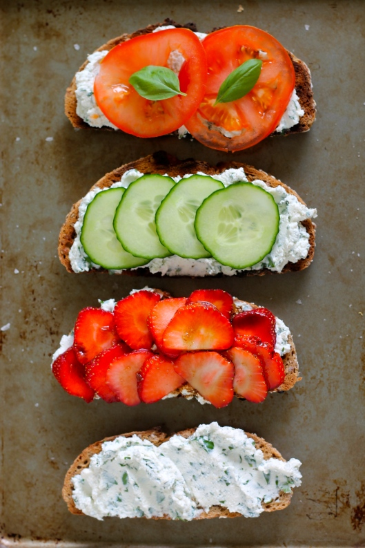 toast for dinner - herbed ricotta, 4 ways // the muffin myth